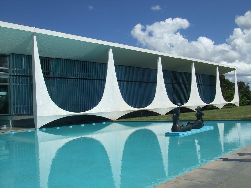 Capital administrative du Brésil, construite en 1000 jours sous la direction de l'architecte Oscar Niemeyer