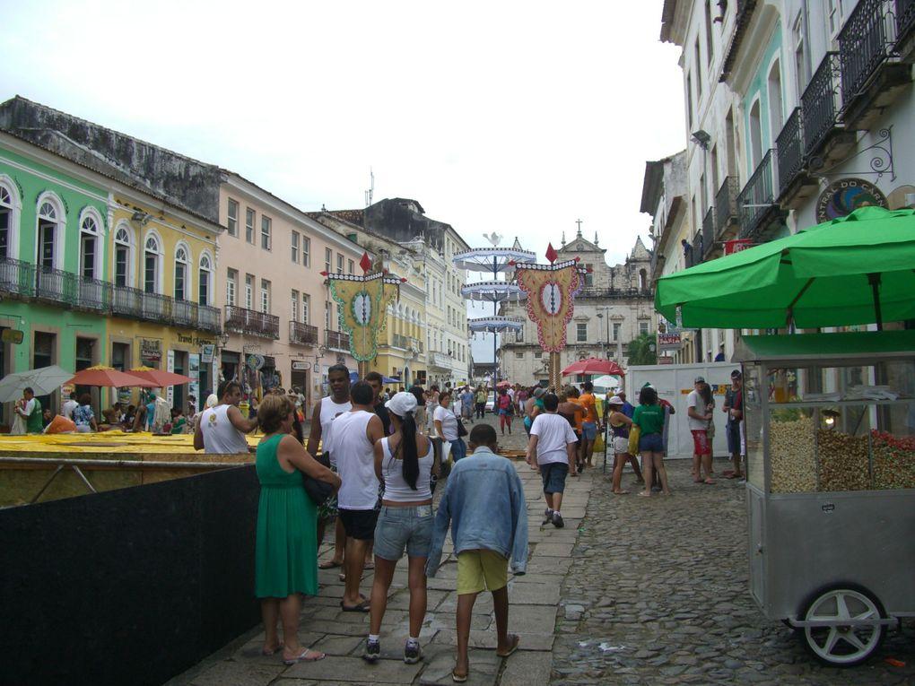 Capital de l'état de Bahia, ville aux 365 églises, le Pelourinho classé patrimoine mondial de l'UNESCO, et ces plages...
