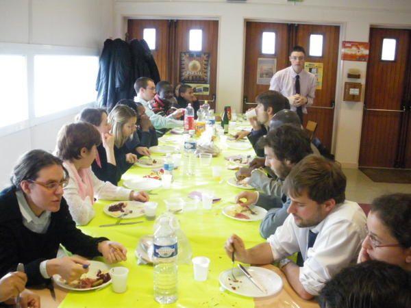 Photos des étudiants de l'ITB et leur visite.Notamment photos de la journée du 11 Novembre au centre Madeleine Louaintier.