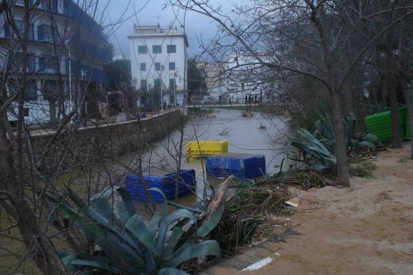 """Am zweiten als das Wasser ablief war der gesamte Schaden erst sichtbar. Tossa de Mar 27.12.08.Eine richtige """"Weihnachtsbescherung"""""""