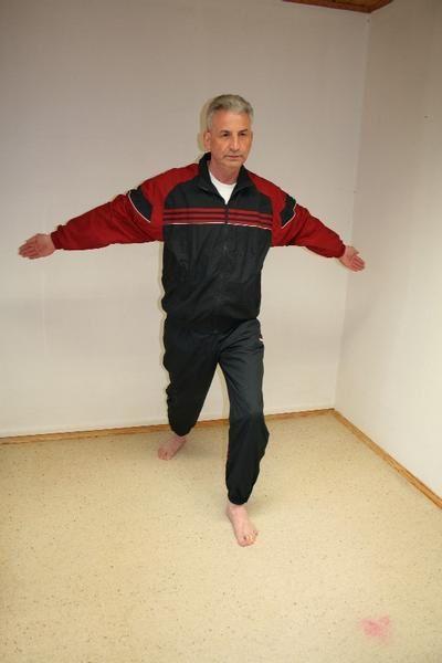 Eine Tai Chi Übung aus meinem 7-Tage-Fitness-Programm. Das ist meine Mittwoch-Übung.