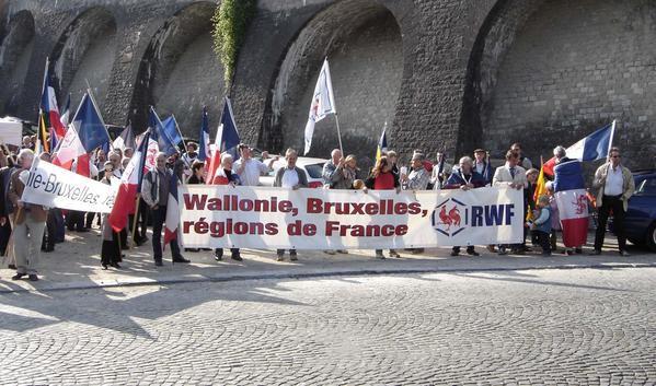Quelques photos de l'intervention du RWF aux Fêtes de Wallonie 2008