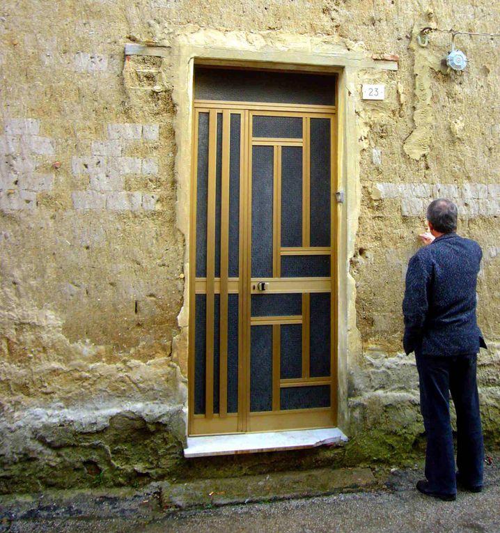 Photos prises par Tayyibi A. à Cagliari, Italie, à l'occasion de la tenue de la première conférence méditerranéenne sur l'architecture de terre, entre le 13 et le 16 mars 2009.