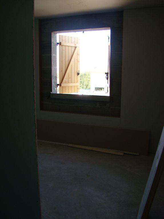 les portes les fenêtres les cloisons le début de l'intérieure !!!