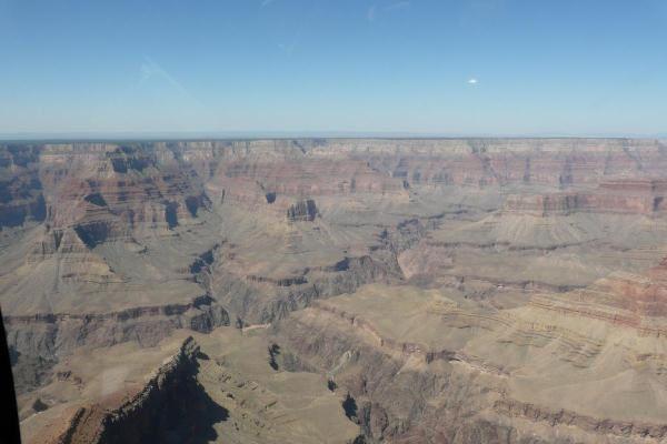 Je me suis offert un survol du Grand Canyon en hélicoptère. Pour un premier vol en hélicoptère, c'était magnifique.