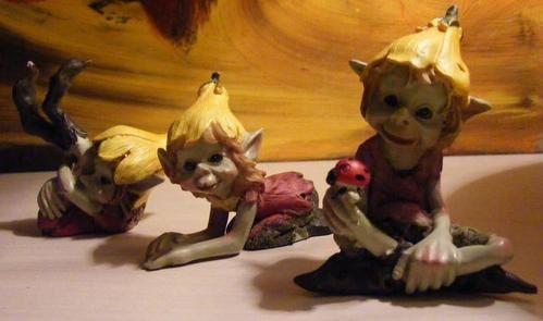 un petit monde de petit personnage, la collection de jipi, le but serra de les faires tous passé par l'oeil de la caméra, mais ils sont cachés et ne sortent que la nuit , mais je les auraient .....