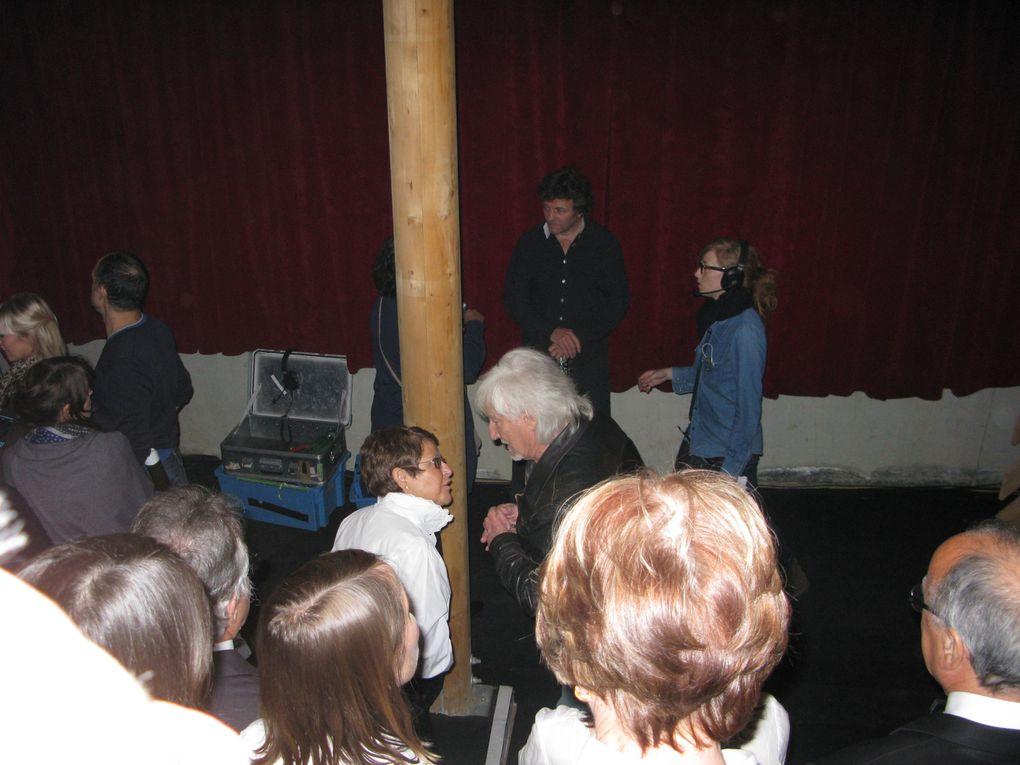 """Photos de la préparation de l'émission """"300 choeurs pour plus de vie"""" diffusée le 17 octobre 2011."""