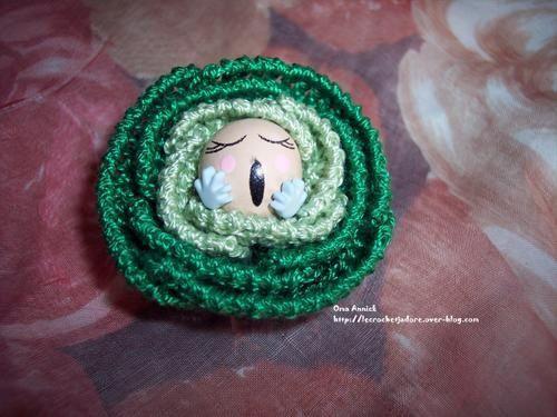 création et décoration au crochet : bouquets de fleurs, jardins miniatures, décors champêtres, composition florale, déco de table et de Noël, miniatures, etc ..