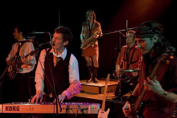Merci à Arnaud pour cette séance photo rock n roll à chaud avant un concert!