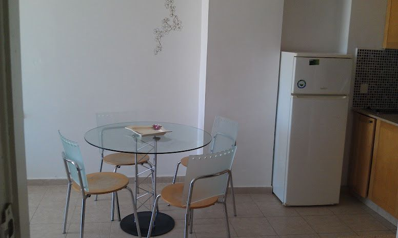 spacious 2 rooms with great sea view form floor 12,on beach in north of Tel aviv, at the limit with herzliya pituah.residence with pool, and gym and cinema moves. Very well located.