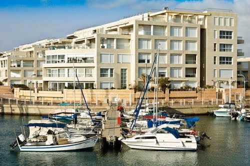The Island residence into the marina of herliya pituach, at hahogen street, at 70 meters closed to the beach, and 200 meters closed to the ISrael marina, arena mall, coffe shops, restaurants