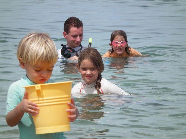 Un WE au Tampon : dimanche à St Pierre en compagnie de Delphine & David + ses 2 enfants et lundi petit cours météo dans la classe de CE1-CE2 de Gaëlle