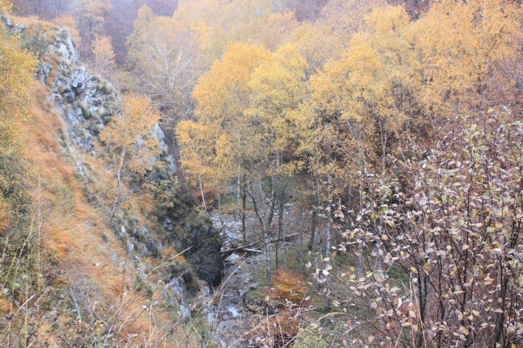 Escursione dai monti di Croveggia (Camorino) fino a Lugano, via Isone, Gola di Lago.