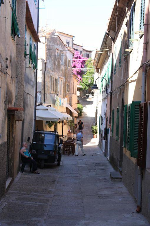 Foto della vacanza all'Isola d'Elab del 2010. Portoferraio, villa napoleonica a San Martino e Capolìveri.