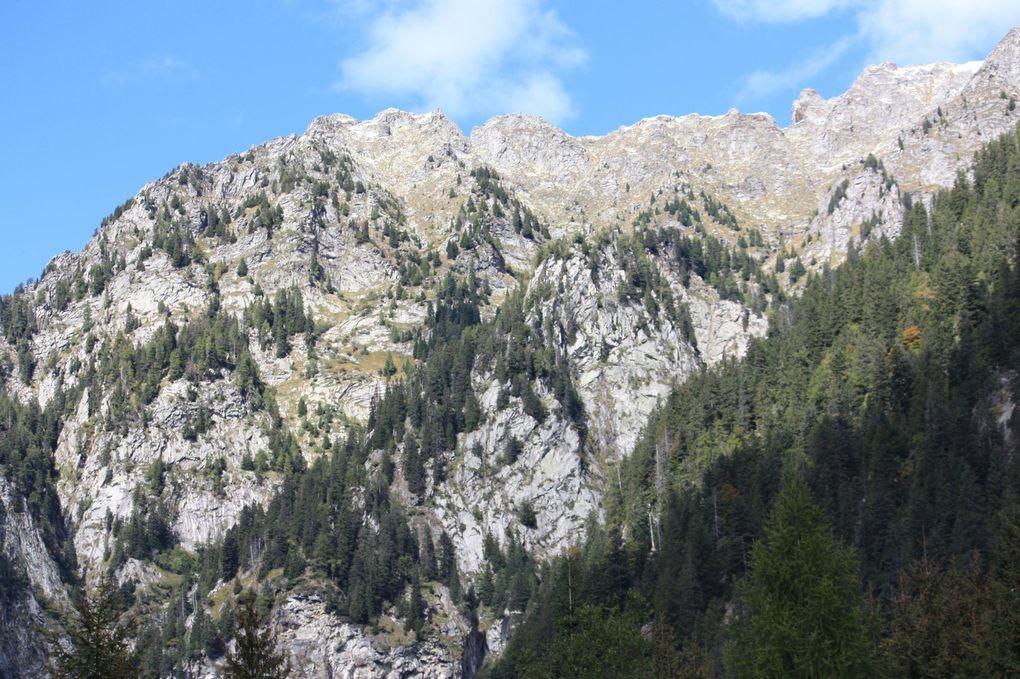 Album fotografico dell'escursione del 26.09.2010 da Cama al laghetto omonimo