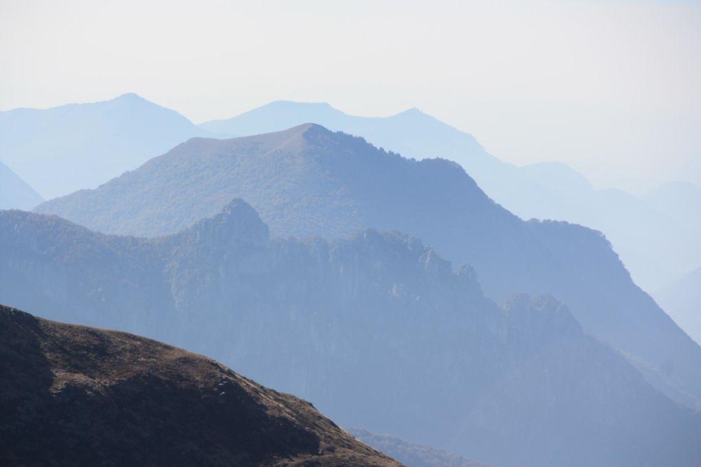 Album fotografico dell'escursione al Camoghé del 16.10.2011 partendo dall'alpe Serdena.