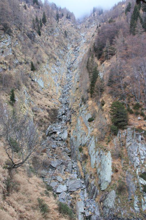 Album fotografico dell'escursione alla capanna Albagno partendo dai monti di Bedretto, sopra Gorduno.