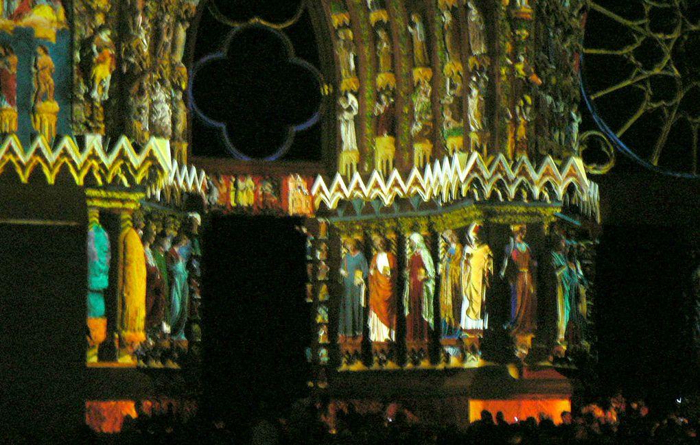 Aperçu du spectacle coloré donné pour les 800 ans de la cathédrale de Reims