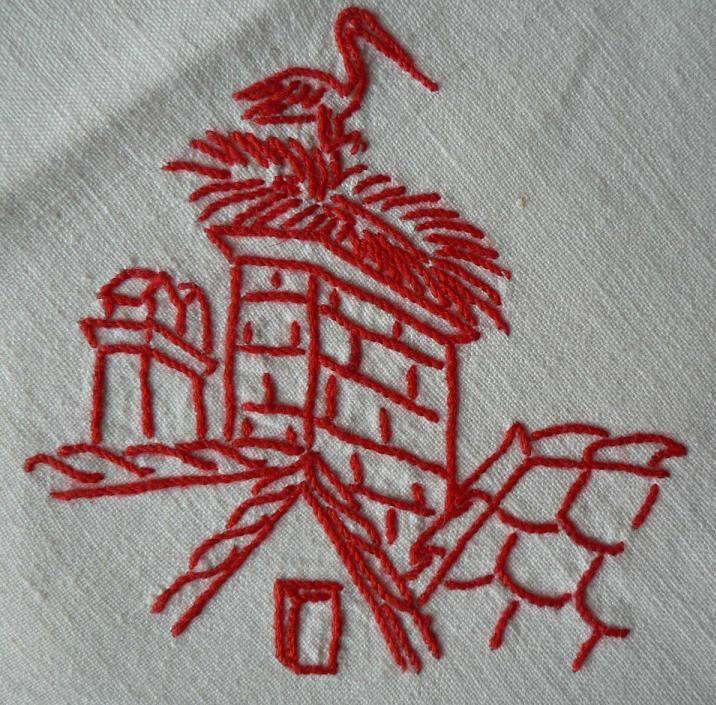 Serviettes brodées par maman dans les années soixante pendant les longues soirées d'hiver.