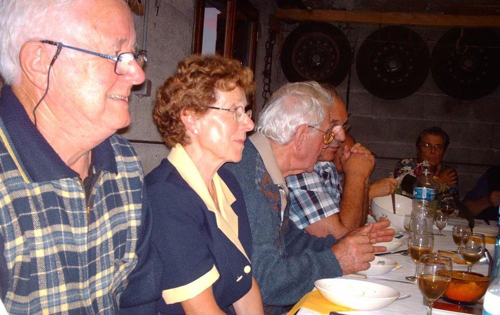 Dernier dîner dans l'intimité de Jocelyne H et Robert NICOLAS. Petit tour par les vignes familiales.