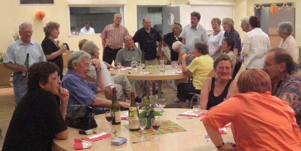 Après le Mont Ste-Odile, retour à Plaine par une chaude soirée d'été. Bien que harassés, les cousins ont trinqué à leur rencontre 2009