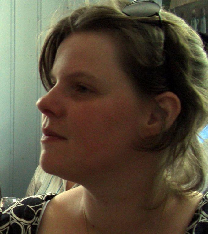Maria Hagspiel-Hertlein reçoit les Hackspill Zum Engel et zum Blaues Haus pour le champagne