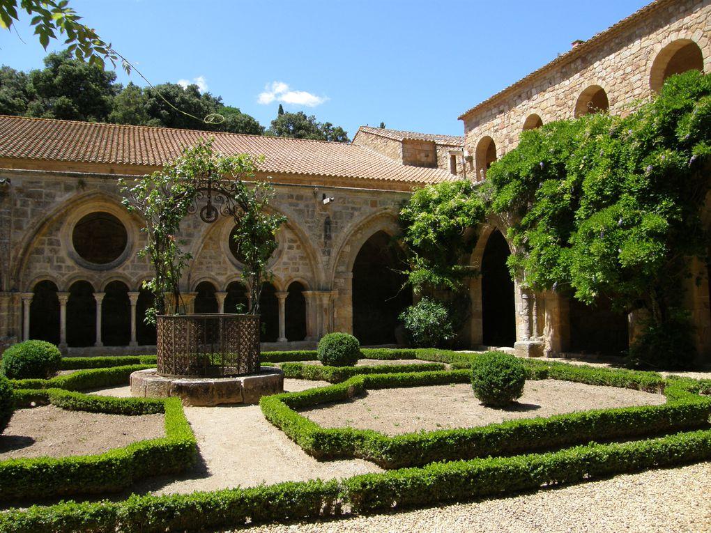 L'abbaye de Fontfroide est une abbaye cistercienne située dans la commune de Narbonne dans le département de l'Aude en France