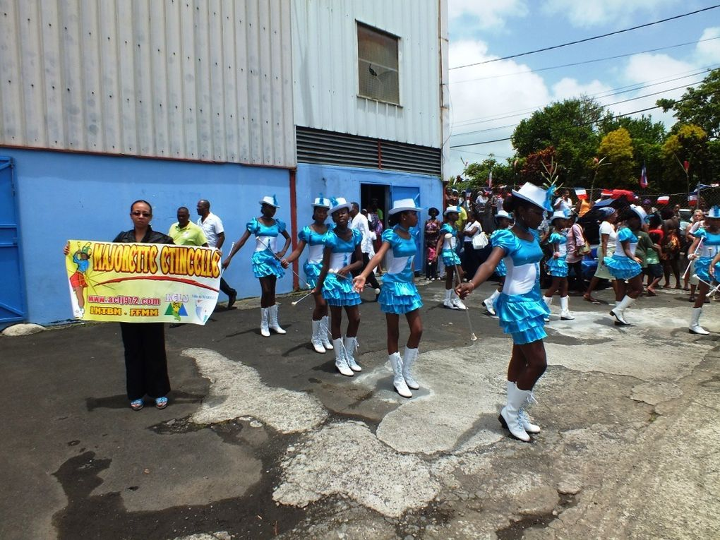 ACLJ/PHOTOS JGD Majorettes Etincelle Fête Dominante 5Aout2012
