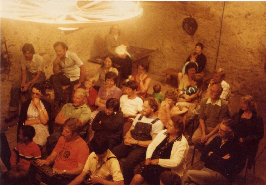 """Quelques photos souvenirs de la vie de notre église de 1985 à 2001 pour en savoir plus lire notre article """" notre histoire au 37"""""""