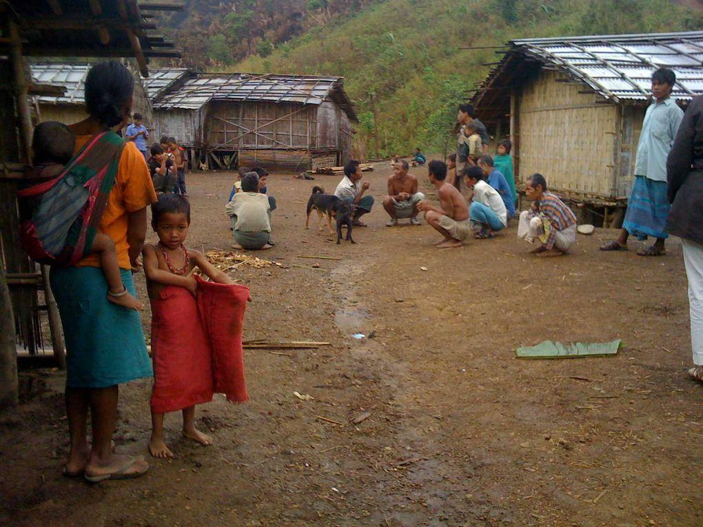 Petit aperçu en images de notre road trip dans les Hill Tracts où nous avons pu découvrir temples hindous, boudhistes et rencontrer une tribu : les Mro.