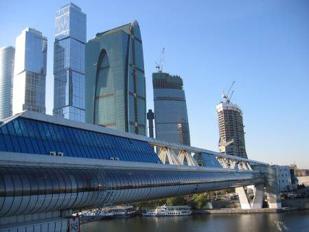 Centre d'affaires international de Moscou ou Moskva-City: gratte-ciels, chantier, pont Bagration