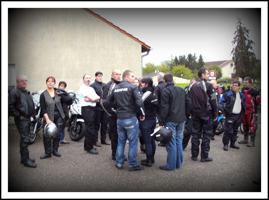 Une Rose Un Espoir 2012 Secteur de Coin-sur-Seille berceau de l'opération. Toutes les infos de l'opération : http://uneroseunespoir.com/