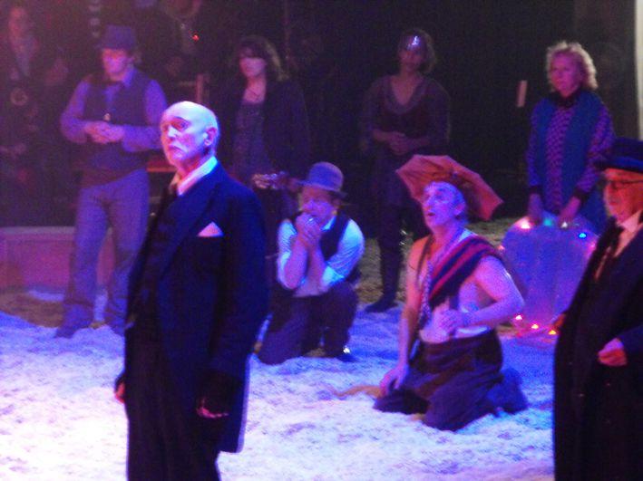 Le Footsbarn travelling theatre est unique en son genre. Shakespear devrait etre fier de ces acteurs voyageurs qui colportent l'art du theatre classique autour du monde sous leur grand chapiteau.