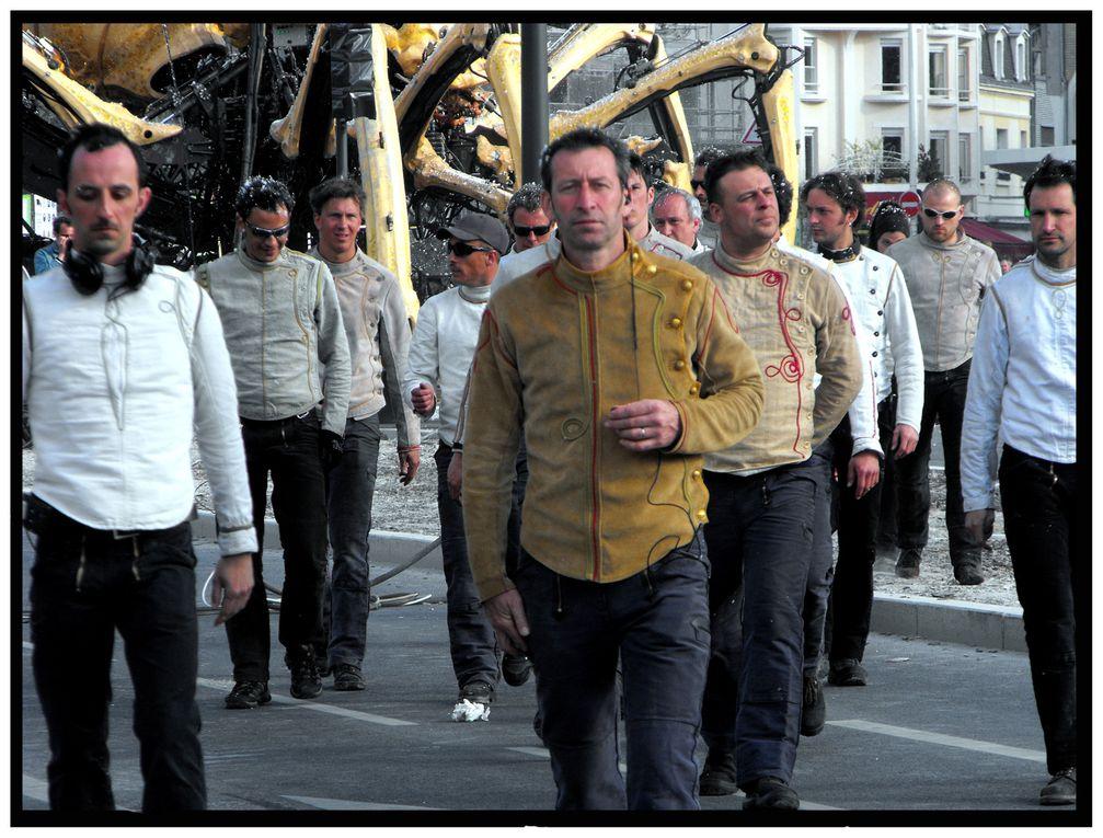 Album - La-Machine: Une araignee-a-Reims.