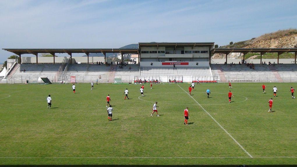 Les images de l'opposition qui a eu lieu le samedi 30 juillet 2011 au stade François Coty de Timizzolu