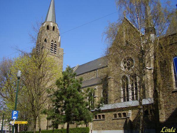 Les églises de Belgique: Ixelles ,  Leugnies près de Beaumont en Belgique &#x3B; Eglise de Houdeng-Goegnies&#x3B;