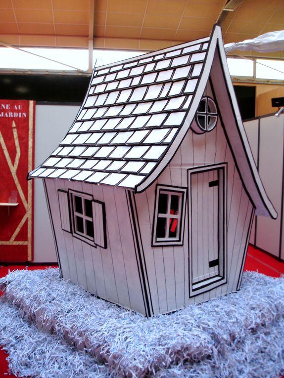 La réalisation et l'exposition de la cabane en carton pour le salon STAP de Lavaur