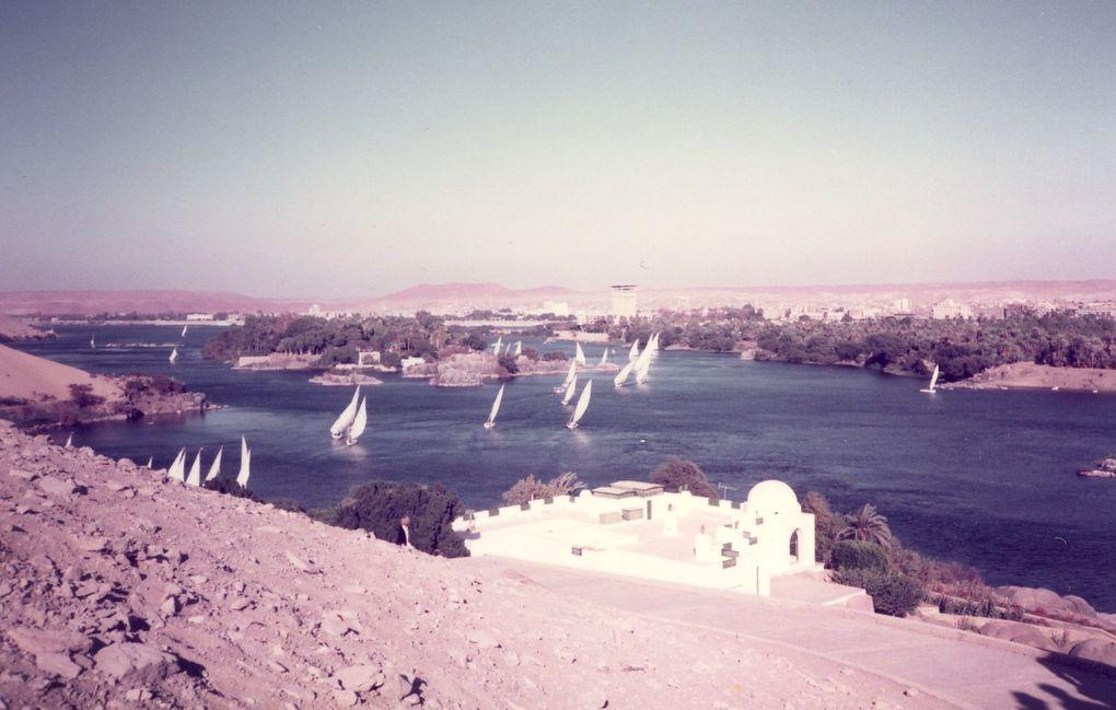 Divers paysages de l'Ile Maurice 1971 et 1973 à la Suisse 2012 en passant par l'Egypte 1984 etc...
