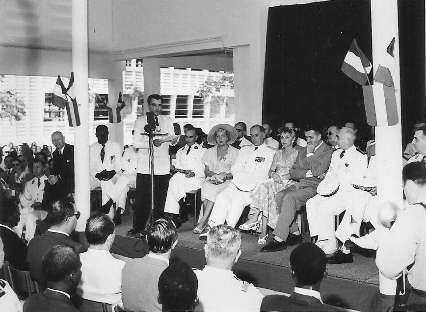 Des clichés de Pointe-Noire dans les années 1950-1970, notamment celles de l'inauguration du Lycée Victor Augagneur. Merci à Julian CHARLES de partager ses archives familiales !