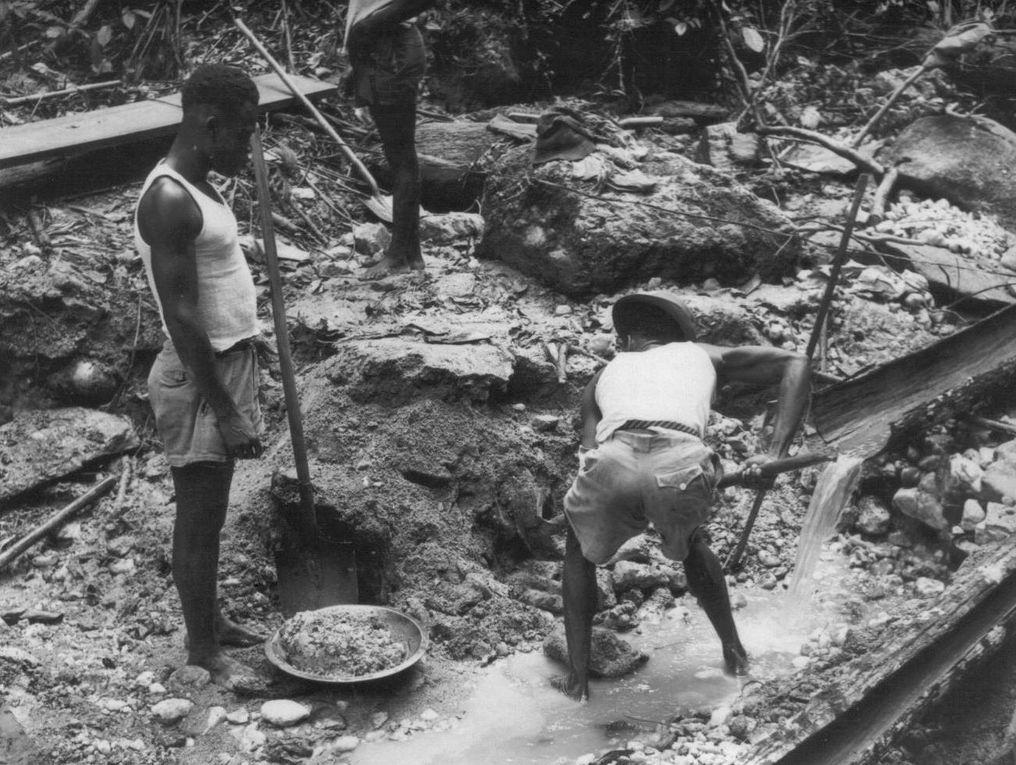 Photographies de Pointe-Noire et de la région du Kouilou dans les années 1950 (gracieusement fournies par une lectrice assidue, Françoise, qui a vécu à cette époque au Congo).