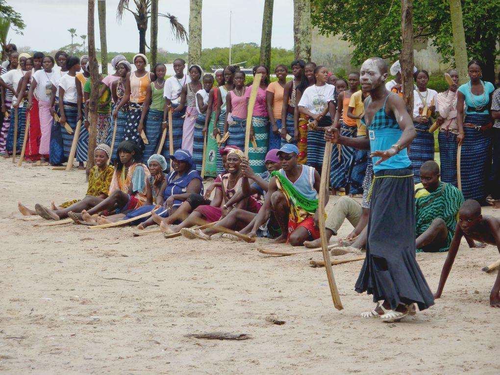 L'évènement Diola qui déplace les foules.C'est la grande fête, la parade.