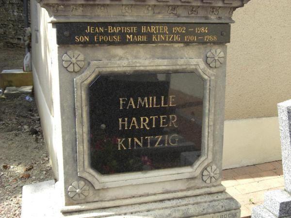 Cet album est dédié à tous ceux dont les ancêtres ont terminé leur chemin de vie à Hestroff.