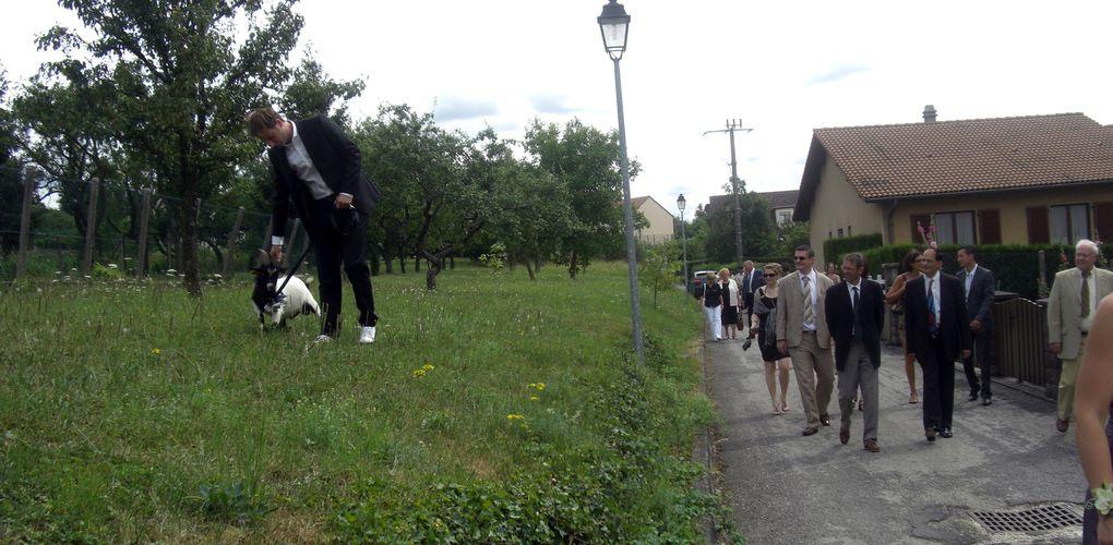 Lors du mariage du benjamin d'une fratrie, l'aîné encore célibataire doit ouvrir le cortège avec une chèvre...