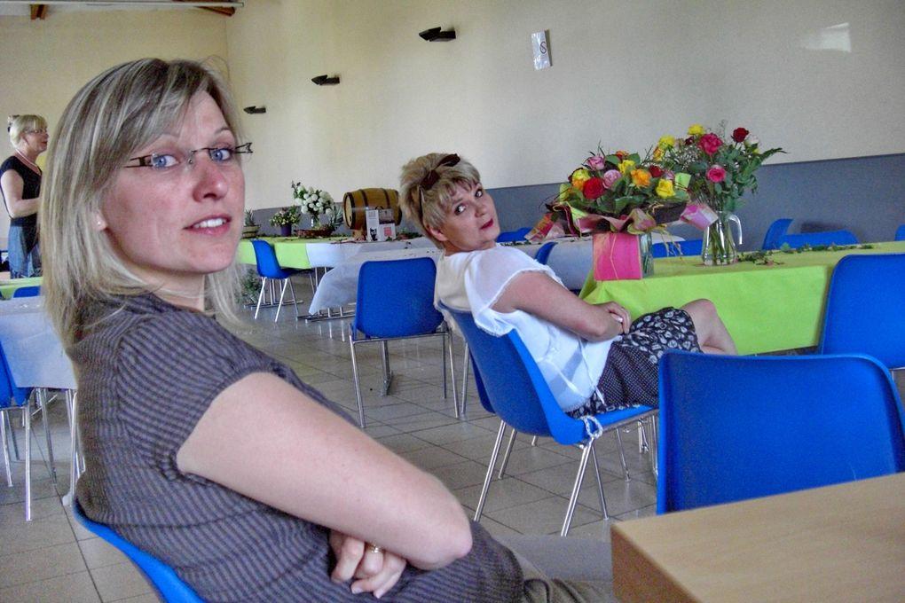 L'au-revoir de Madame Gisèle Schneider-Masson, alias Gisou, aux gabelous. C'était le 7 mai 2011 à Hestroff au Vieux Lavoir.