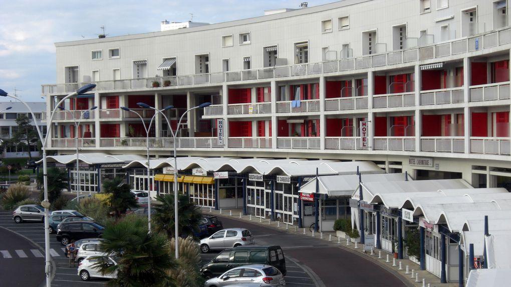 Bruxelles-Paris. Tours, Royan. On rate le bac. On passe la nuit à l'hôtel de la plage.Arrivée à St-Christoly vers 11h00. Patrizia nous accueille. Etat des lieux