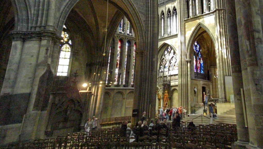 Cathédrale de Metz inside & outside. Mai 2011.