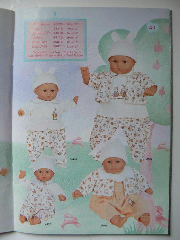 Le grand catalogue a un feuillet en plus,  cf début de l'album.Le babi corolle est inclus.Imprimé en février 1999.