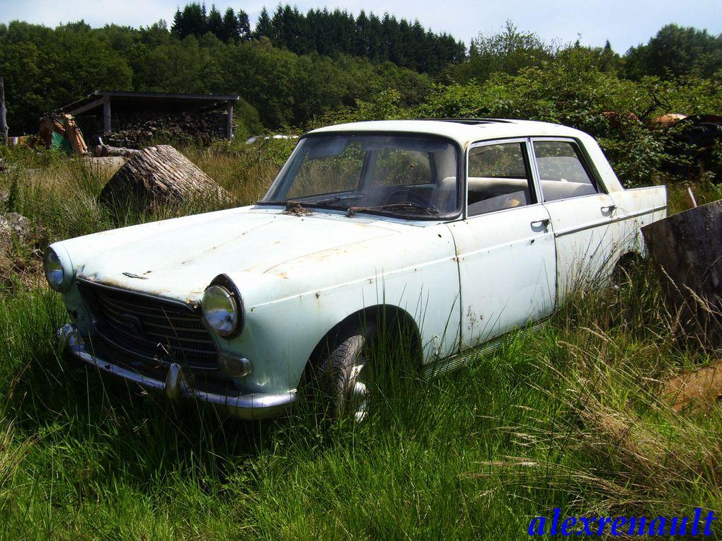 les épaves de véhicules anciens