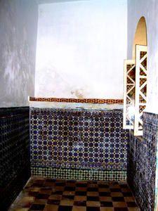 Album contenant des photos prises à Tanger entre 2004 et 2008. Vues: mer, paysage, intérieurs de maisons, scène de rue...