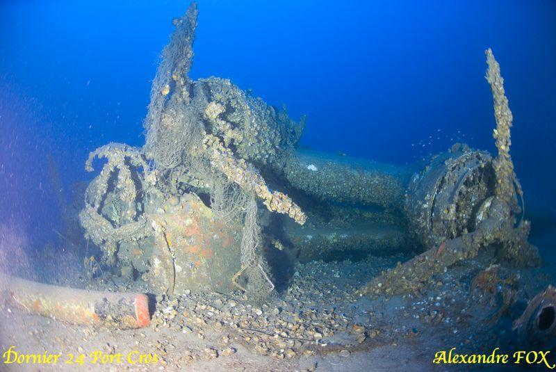 hydravion Allemand.suite à une avarie moteur le pilote tenta un amerrisage par mer formée.l'épave gît par 96m de fond. dans la passe entre le levant et Port Cros